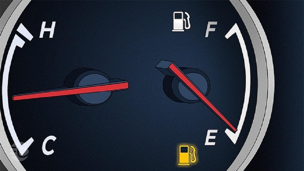 رانندگی با چراغ روشن بنزین