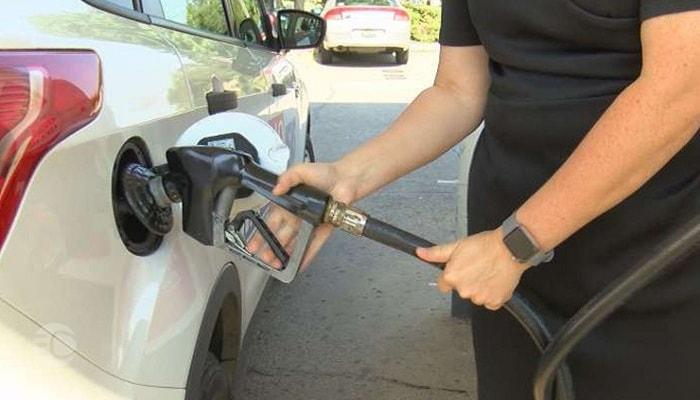 مضرات رانندگی با باک بنزین خالی