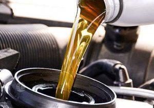 روغن کم کردن موتور نشانه چیست و چرا موتور روغن کم میکند؟