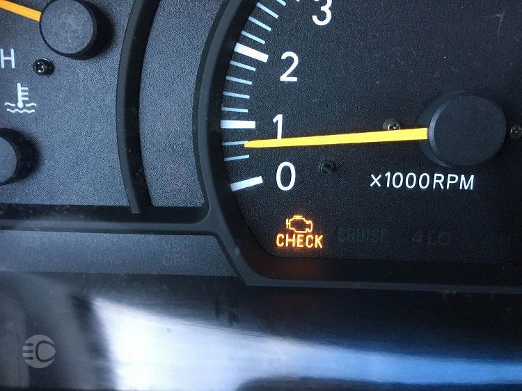 چگونه چراغ چک خودرو را خاموش کنیم؟